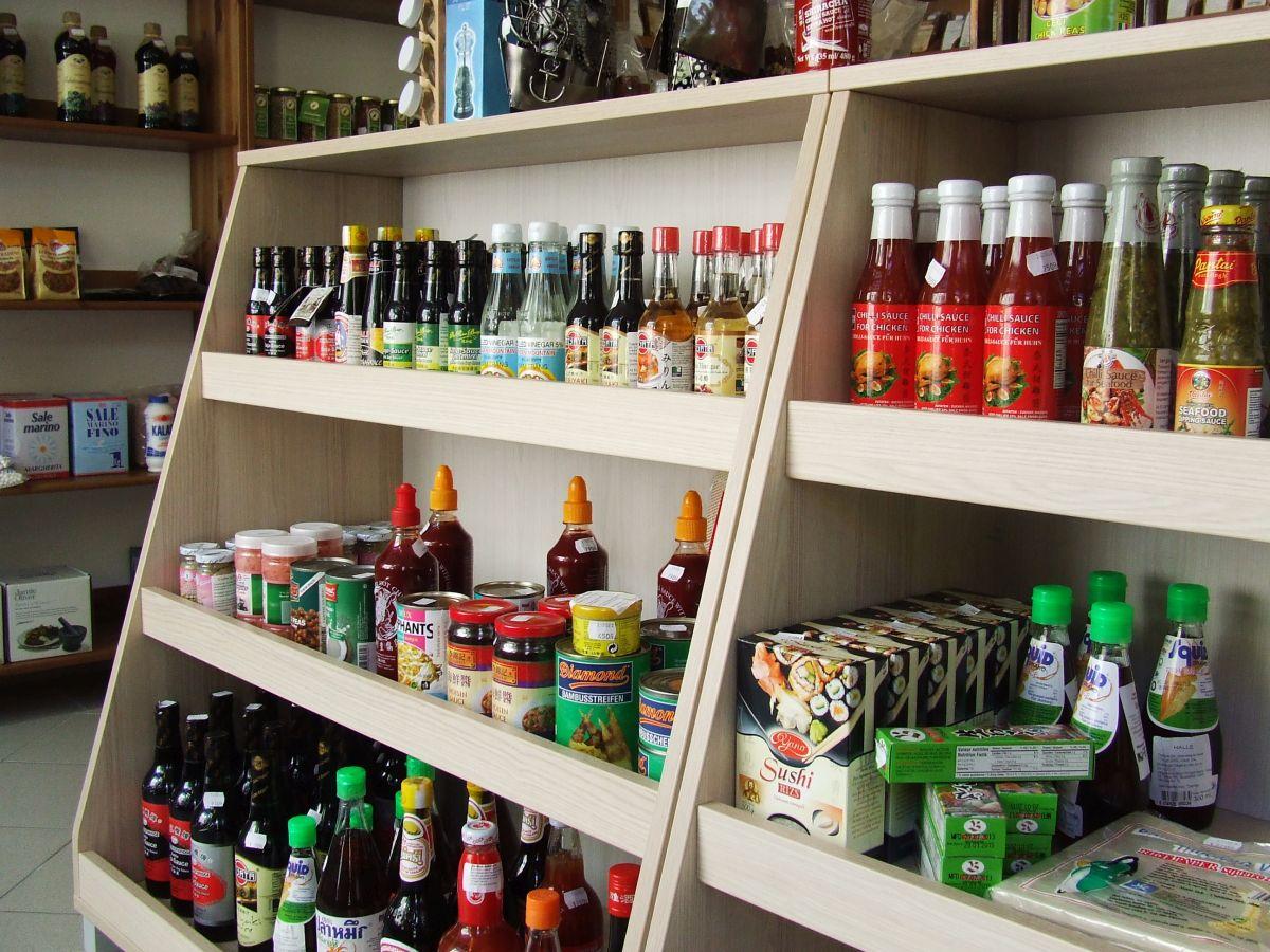 Fűszerkuckó szaküzlet fűszer és élelmiszer kínálata