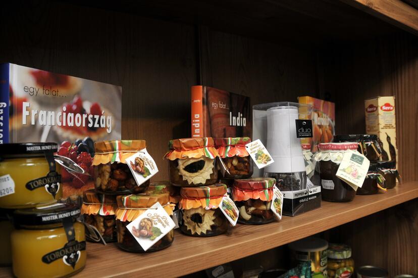 Fűszerkuckó - Fűszerbolt belső 3 kép